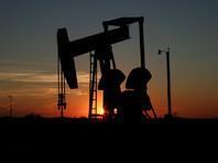 Мировые цены на нефть продолжают падать на фоне рекордного за 25 лет снижения спроса, связанного с коронавирусом и введенными из-за него карантинных мер