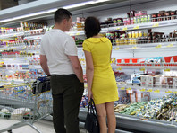Почти 17% россиян никогда не смогут вернуться к тем тратам на продукты питания, которые у них были до пандемии. Еще 19% потребителей не смогут тратить прежние суммы на одежду, а 36% - на путешествия