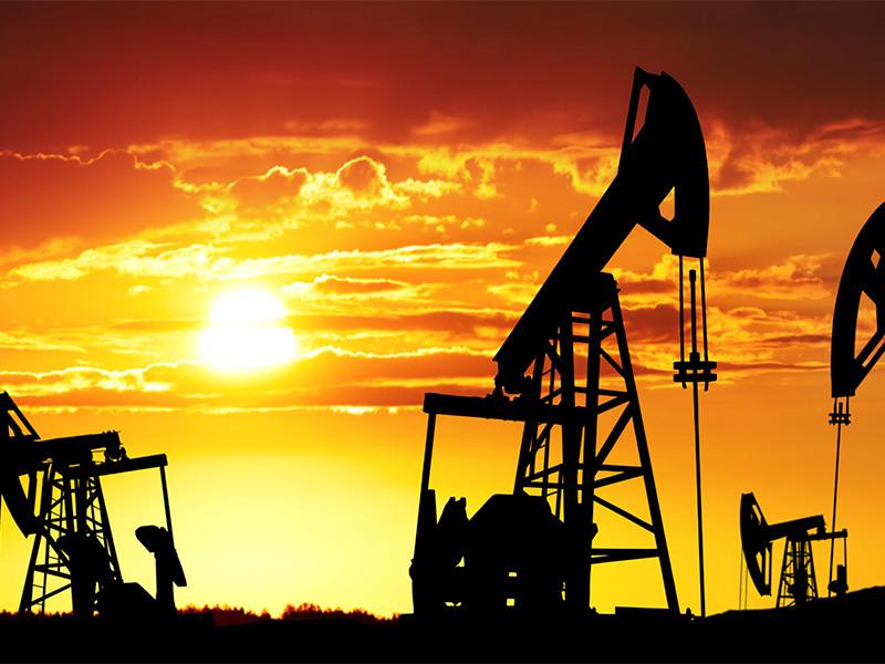 Bloomberg и WSJ: ОПЕК+ готовится к пересмотру сделки по нефти
