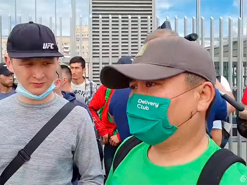 В Москве началась забастовка курьеров сервиса Delivery Club