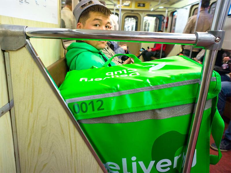 Delivery Club обещает срочно расплатиться с курьерами, пригрозившими забастовкой