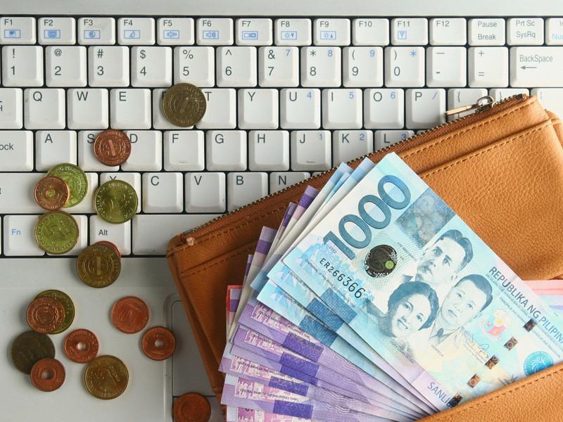 В России вступил в силу запрет на анонимное пополнение наличными онлайн-кошельков