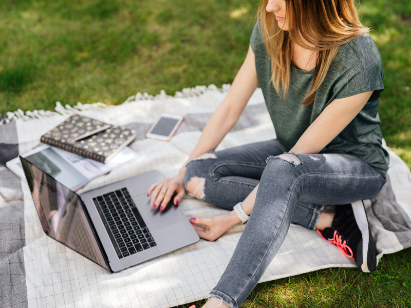 Эксперты не рекомендуют принципиально отказываться от отпуска из-за ограничений: как отдохнуть без вреда для работы