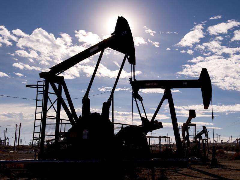 Цены на нефть обрушились на бирже из-за опасений возобновления добычи на востоке Ливии