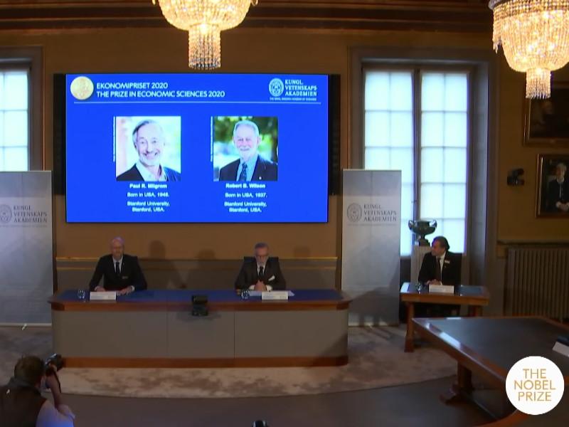 Премия Государственного банка Швеции памяти Альфреда Нобеля присуждена американцам Полу Милгрому и Роберту Уилсону за усовершенствование теории аукционов и изобретение новых форматов аукционов