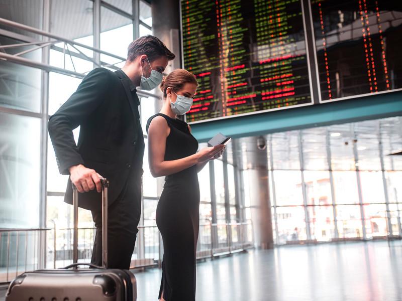 Европейские авиакомпании  сокращают перевозки, столкнувшись с новой волной коронавируса
