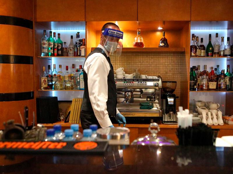 Российские рестораторы отнеслись с опасением к запрету на работу по ночам