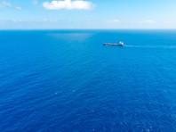 Журналисты американского агентства ознакомились с документами, в соответствии с которыми Венесуэла использует сеть подставных компаний для осуществления сделок, в том числе посредством передачи груза с одного судна на другое