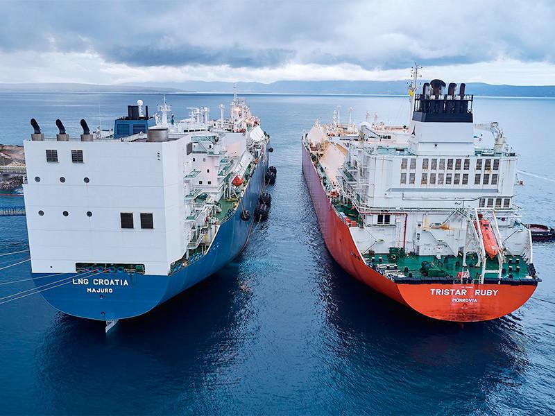 Первую партию (143 000 кубометрами СПГ) на новый терминал привез танкер Tristar Ruby с американского завода в Cove Point