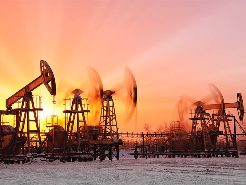 Объем добычи нефти и газового конденсата в России в 2020 году снизился на 8,6% по сравнению с предшествующим годом и составил 512,68 млн тонн