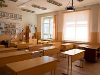 Как считают опрошенные жители России, преподаватели должны получать за свою работу в среднем 120 700 рублей в месяц. О том, что они зарабатывают незаслуженно маленькую зарплату, заявили 64% опрошенных