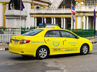 В Таиланде таксиста, потрогавшего пассажирку за коленку, опозорили в интернете и оштрафовали на 150 долларов