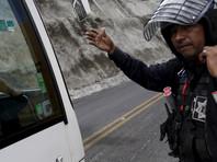 В Мексике пассажиры автобуса избили грабителей, один из которых случайно застрелил сообщника