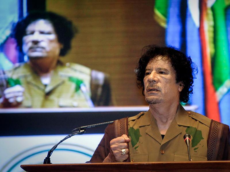 Турецкие полицейские задержали коммерсанта и его сообщников, которые намеревались продать украденный из дворца ливийского диктатора Муаммара Каддафи кинжал