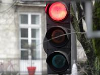 Под Парижем жестоко избили автомобилиста, который не смог сразу поехать на зеленый свет