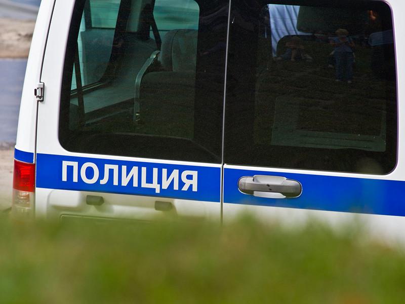 На северо-западе Москвы в стриптиз-клубе на Ленинградском проспекте произошла драка, участники которой разбили витрину и получили резаные ранения от стекла