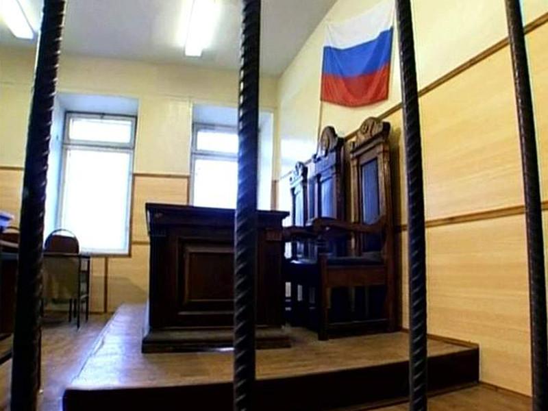 Ленинский районный суд Ульяновска вынес в четверг приговор сотруднику микрофинансовой организации Дмитрию Ермилову, который зимой 2016 года бросил бутылку с зажигательной смесью в дом, где проживала семья должника