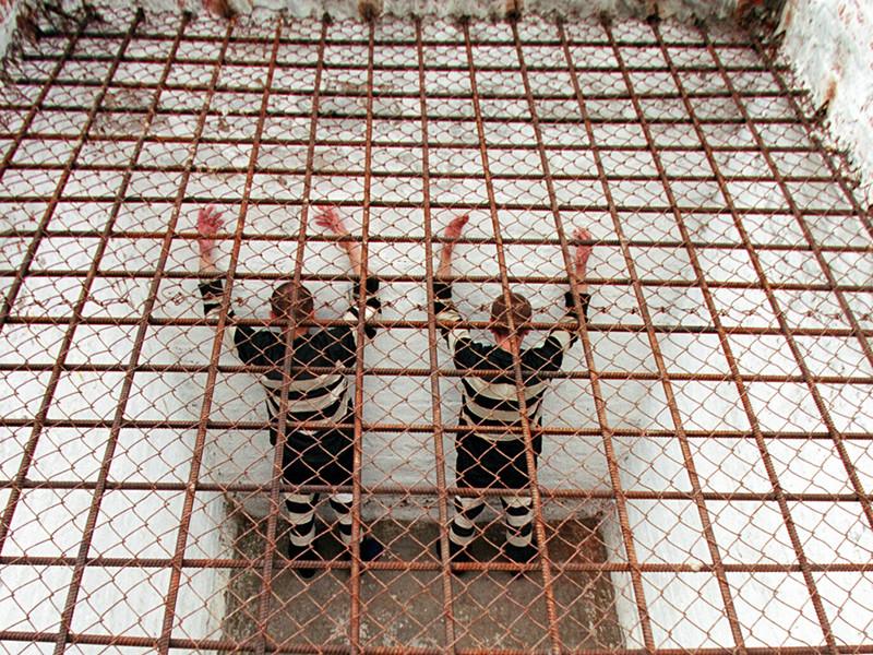 Суд приговорил 39-летнего жителя Батайска и патологоанатома больницы РЖД Николая Кузьменко к 23 годам колонии строгого режима с ограничением свободы на два года. Также осужденного оштрафовали на 50 тысяч рублей