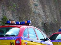 Испанская полиция ищет преступника, совершившего дерзкое и циничное убийство иностранца на одном из курортов Балеарских островов. Киллер застрелил туриста на глазах у его супруги и их четырех детей