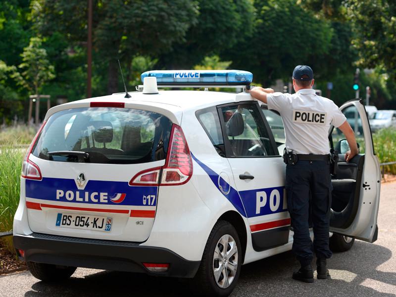 В Париже грабители распылили слезоточивый газ и похитили багаж китайских туристов
