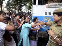 В Индии арестованы мужчины, подозреваемые в изнасиловании женщины и ее 13-летней дочери
