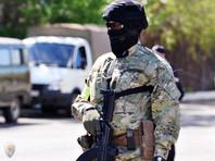 """В Дагестане мужчина, пытавшийся отобрать автомат у полицейского, погиб от """"самопроизвольного"""" выстрела"""