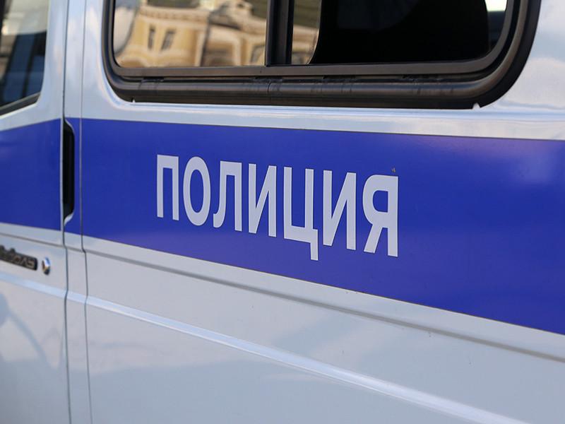 Полицейские Санкт-Петербурга ищут мужчину, подозреваемого в краже оргтехники