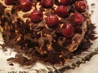 Во время грозы нижегородец украл у спящей девушки половину тортика