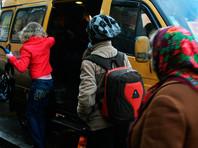 Под Челябинском водитель маршрутки избил девочку-пассажирку за разговор по телефону