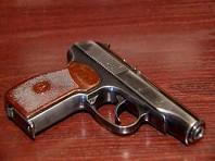 Челябинец украл у спящего полицейского пистолет и принес в прокуратуру