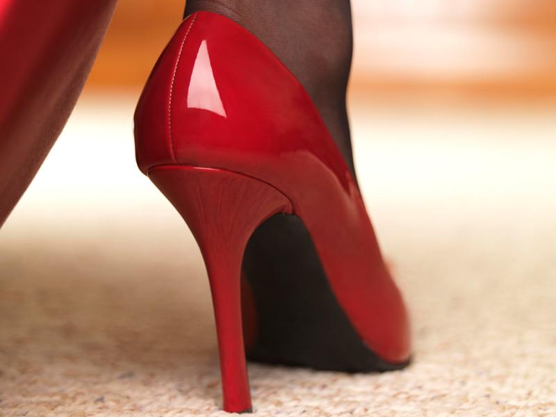 Жена заставила целоват ноги фото 617-168