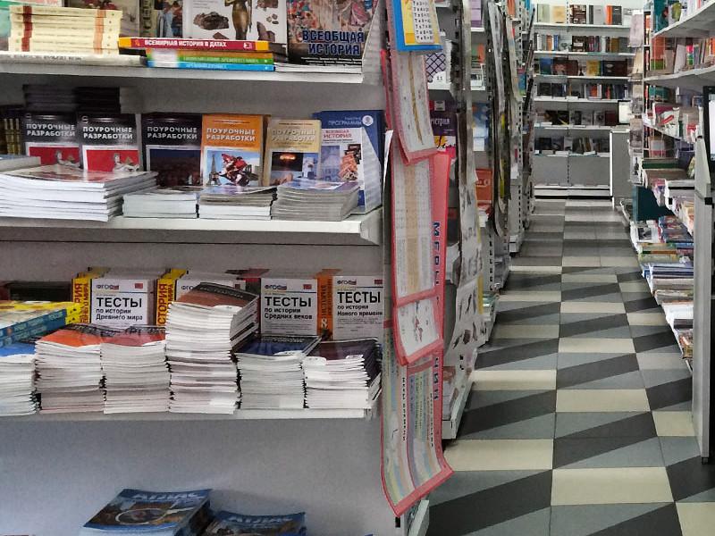 Петербургский педофил надругался над третьеклассницей в книжном магазине