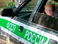 В Екатеринбурге лучшие следователи ищут преступника, сбросившего с балкона вазу на голову судебного пристава