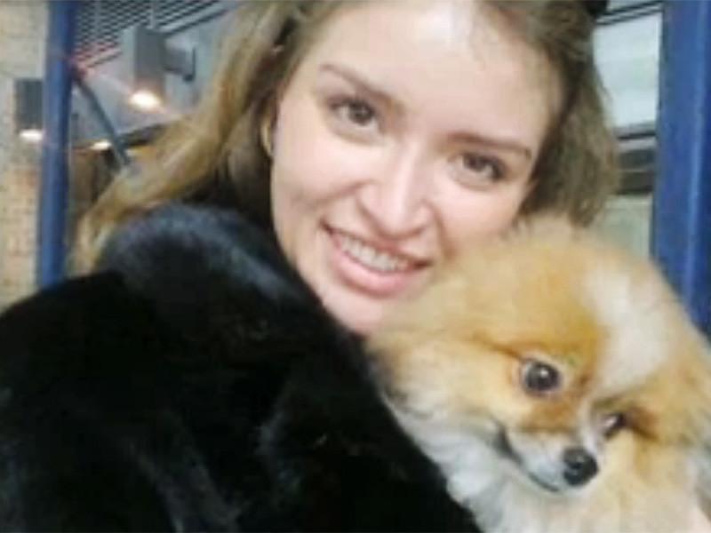 Россиянка Светлана Захарова, которая в феврале этого года обвиняла экс-губернатора штата Нью-Йорк Элиота Спитцера в нападении на нее в номере гостиницы The Plaza Hotel, арестована по прибытии в Нью-Йорк из России по обвинению в вымогательстве