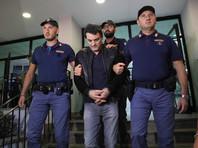 В Италии босс мафии по кличке Мама залез на шкаф, чтобы спрятаться от полицейских (ВИДЕО)