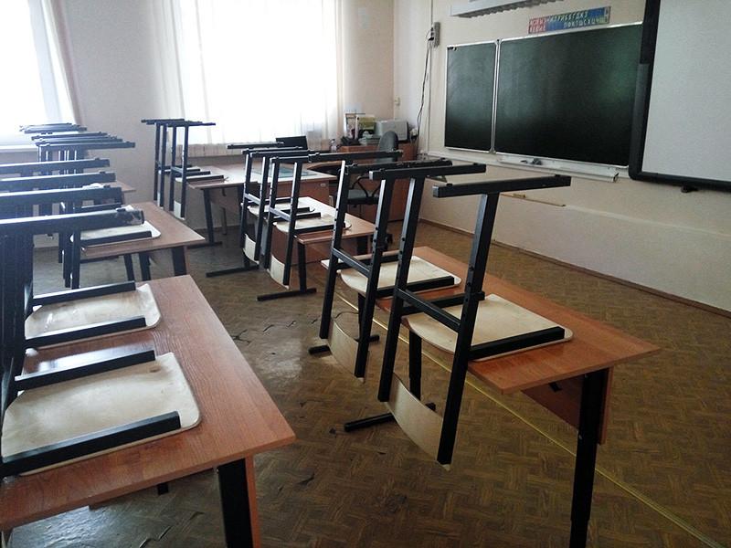 В Сосновоборске Красноярского края полиция выясняет обстоятельства получения травм школьным педагогом. По предварительным данным, учительнице разбили голову брошенным во время ссоры пятиклассников стулом