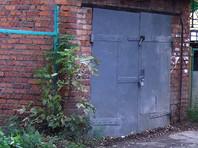 Кемеровчанин незаметно снял и  пропил ворота своего соседа