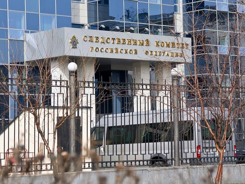 Следователи столичного ГСУ СК РФ завели уголовное дело на стражей порядка, которых подозревают в грабеже. Злоумышленники, проводя незаконные следственные действия, присвоили драгоценные камни и деньги бизнесмена, торгующего янтарем