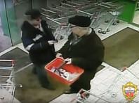 В московском супермаркете покупатель перерезал горло пенсионеру, который торопился сделать покупки (ВИДЕО)