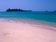 В Таиланде нашли труп иностранца в гидрокостюме, привязанный к столбу на дне моря