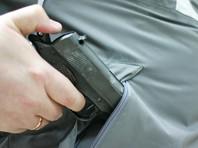 Вооруженный грабитель ушел из столичного банка ни с чем, потому что кассир отказался отдавать деньги