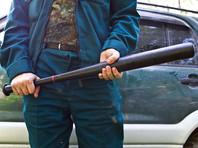 Полиция Санкт-Петербурга расследует нападение на чиновника, которого жестоко избили бейсбольными битами