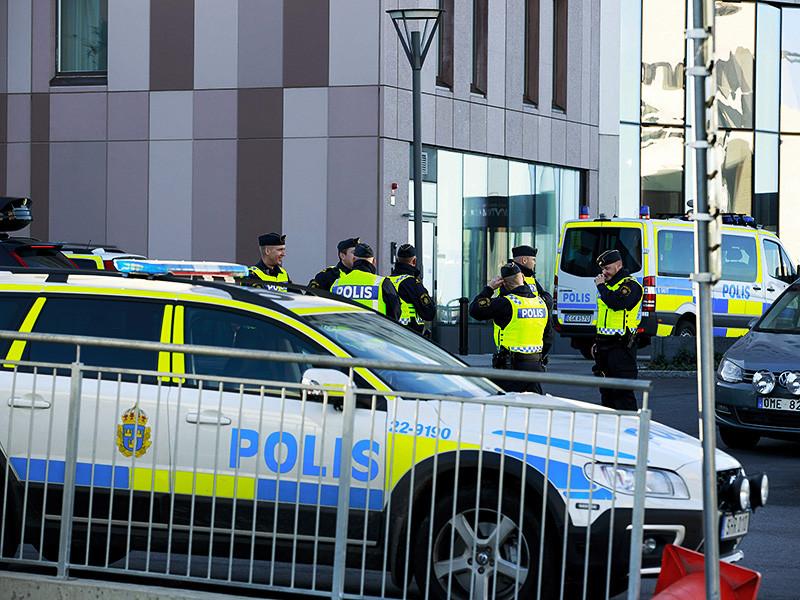 В шведском суде начался процесс по уголовному делу, возбужденному в отношении пяти несовершеннолетних мигрантов. Их подозревают в сексуальном насилии над знакомым подростком. Преступление было совершено в лесном массиве