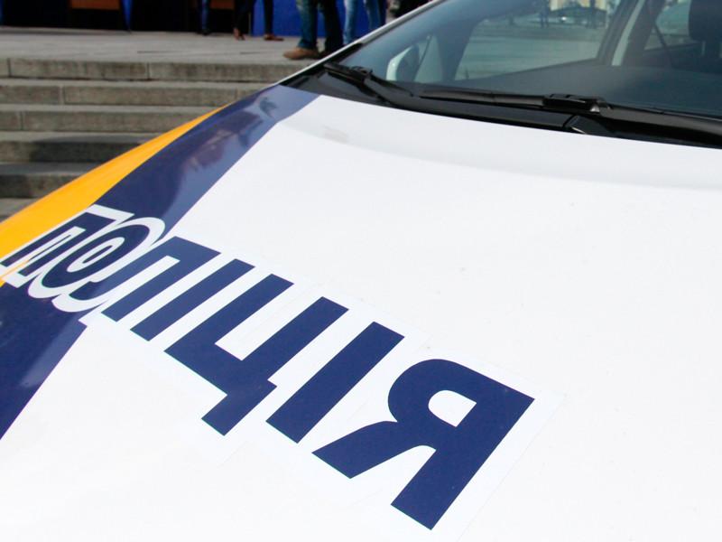 На Украине полицейский с сообщниками ограбил перевозчика янтаря
