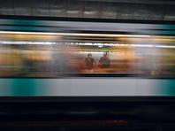 В Париже ищут вооруженного ножом мужчину, который напал на пассажиров метро
