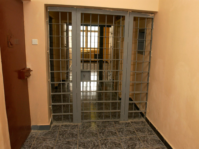 Под Астраханью осужден мужчина, убивший певицу на территории школы