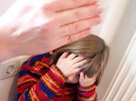 В ХМАО женщина била головой о стену 9-летнего сына, просившего показать ему мультфильмы
