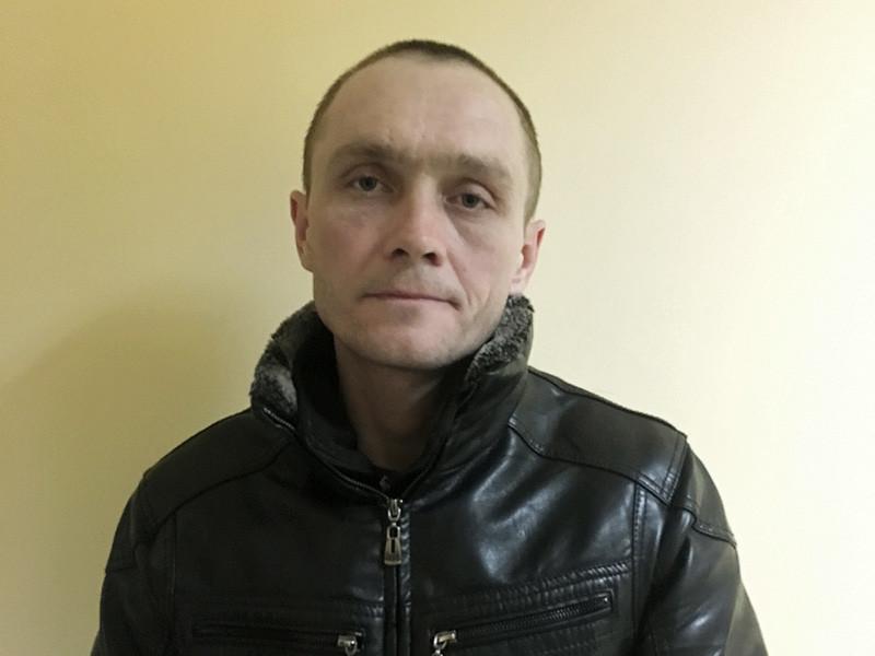 В среду Промышленный районный суд Оренбурга заключил под стражу 38-летнего местного жителя с уголовным прошлым, которого подозревают в серии ограблений детей. Злоумышленник, вооруженный ножом, отбирал у потерпевших мобильники