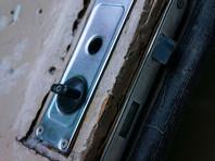 В Петербурге СК РФ проверяет деятельность чеченских коллекторов, заливших монтажной пеной двери соседей должницы