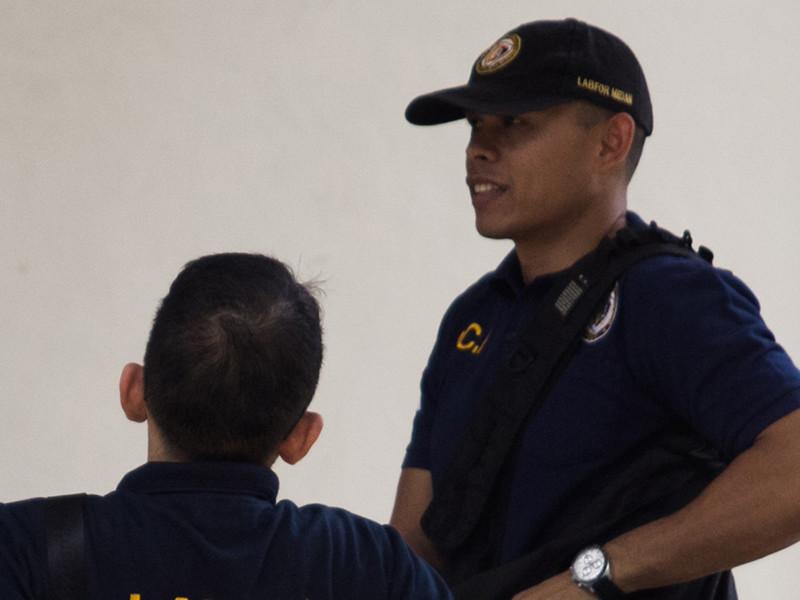 Сотрудники полиции индонезийского города Денпасар на Бали арестовали гражданку США и гражданина РФ, которые, предположительно, получали наркотики